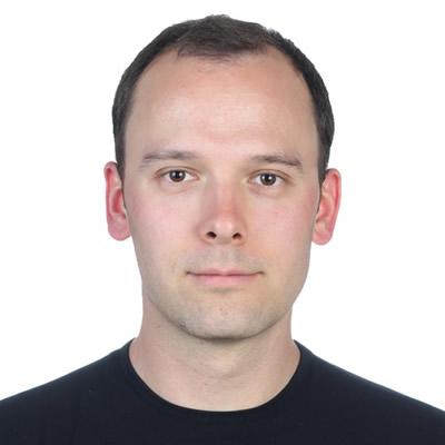 Dr. Matthias Kuehne